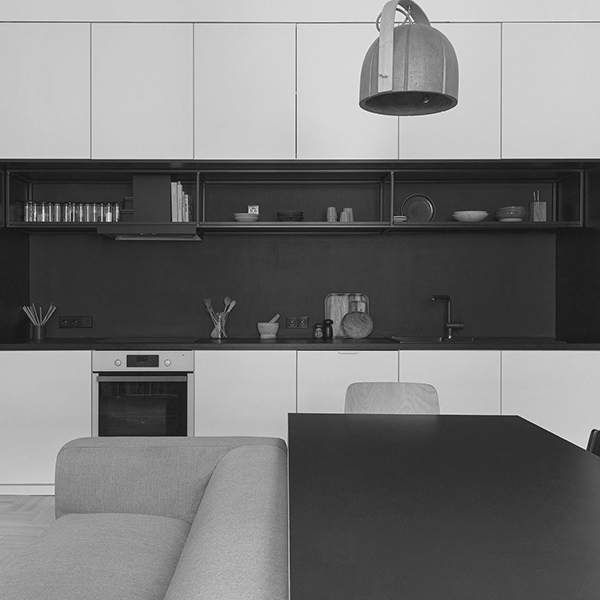 TQA1901 - BB42 APARTMENT - Greyscale