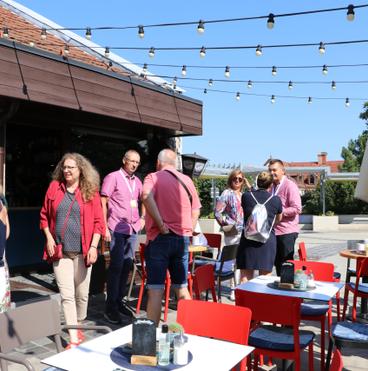 Incognito Café terasz